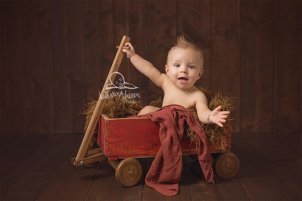 babyfotograf_baby-fotoshooting_babybilder_fotograf_duesseldorf_hebamme_geburt_wehen_geburtshaus_kidsgo