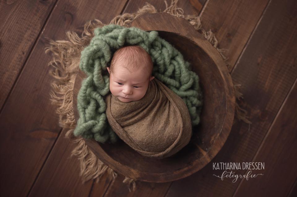 baby-fotograf_katharina-dressen_neugeboren-fotoshooting_hebamme_geburtsklinik_baby_fotoatelier_duesseldorf_koeln_nrw