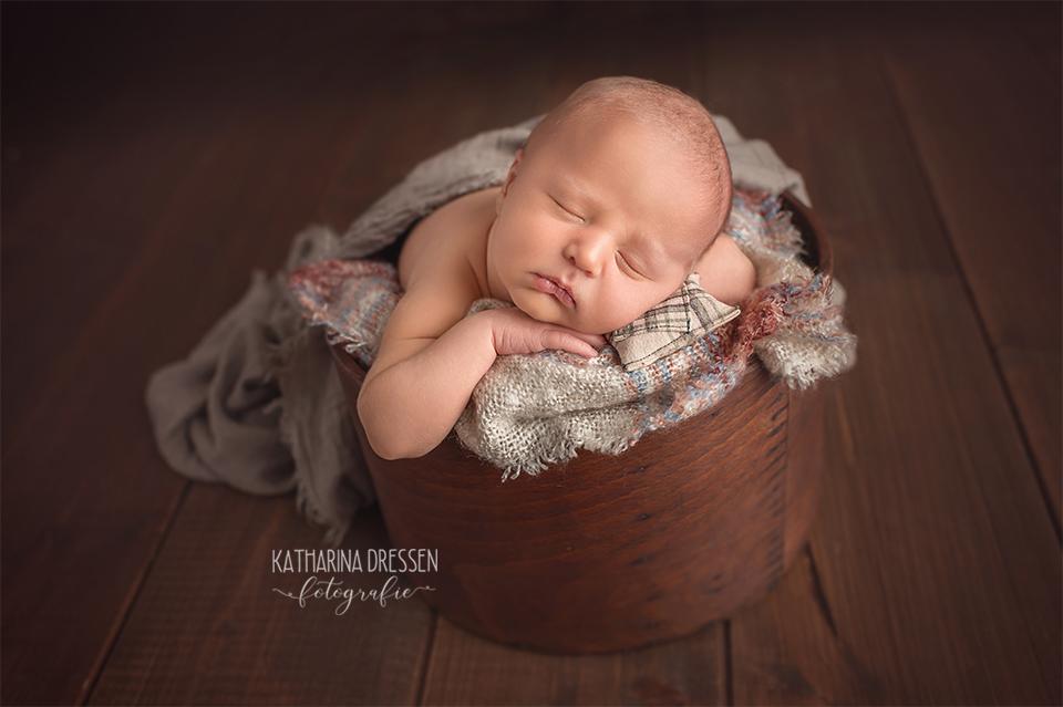 babyfotograf_baby-fotoshooting_katharinadressen_moenchengladbach_duesseldorf_fotograf_baby_entbindung_schwanger_hebamme