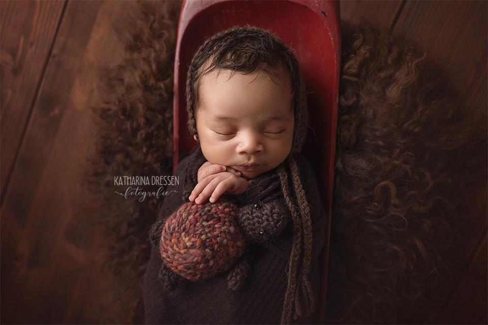 baby-fotograf_katharina-dressen_neugeboren-fotoshooting_geburt_schwanger_baby_fotoatelier_duesseldorf_koeln