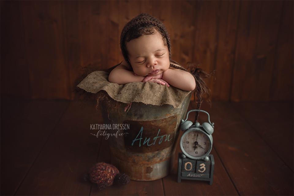 baby-fotograf_katharina_dressen_neugeboren-fotoshooting_hebamme_geburt_schwanger_baby_fotoatelier_duesseldorf_koeln