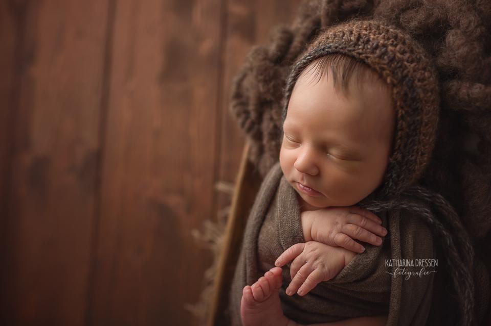 neugeborenenfotograf_geburt_schwanger_babyfotograf_baby-fotoshooting_babybilder_fotograf-babys_duesseldorf_koeln_hebamme