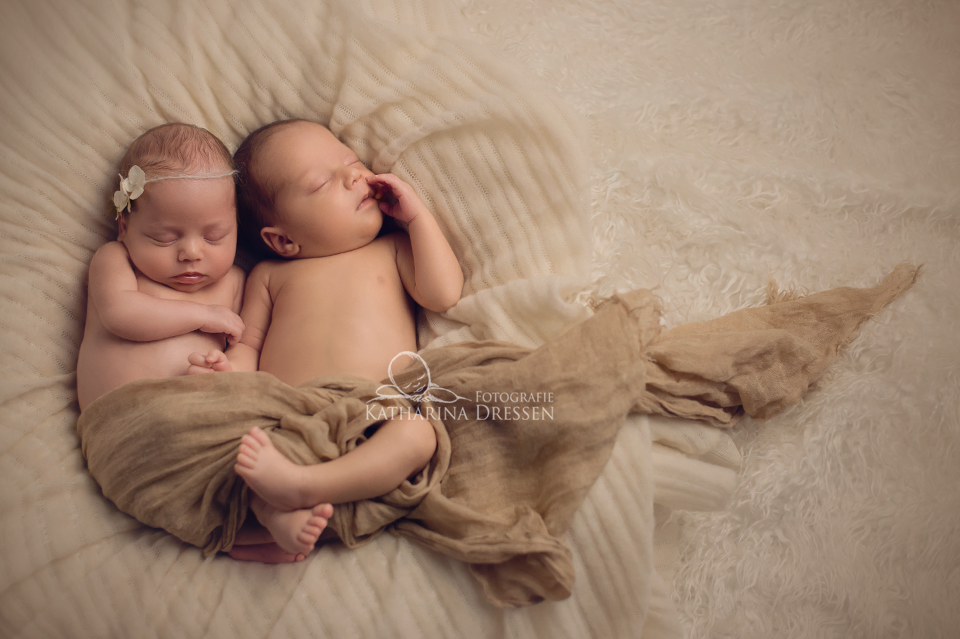 BabyFotograf_Duesseldorf_Geburtshaus_Zwillinge_Fotografieren_Baby_Fotoshooting