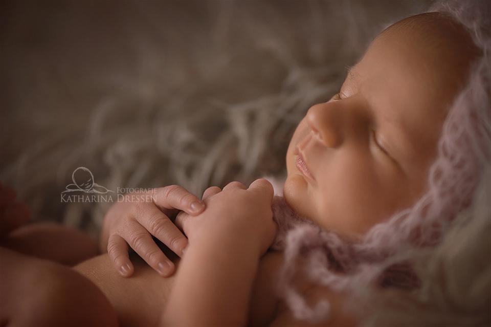 Babyfoto_Geburt_Fotograf_Duisburg_Babyfotograf_Hebamme_Geburtshaus_Baby
