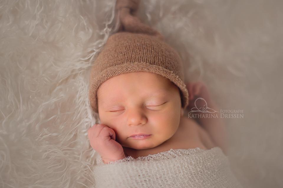 Babyfotograf_Duesseldorf_schoene_Babyfotos_Duisbrug_Geburtshaus_Hebamme