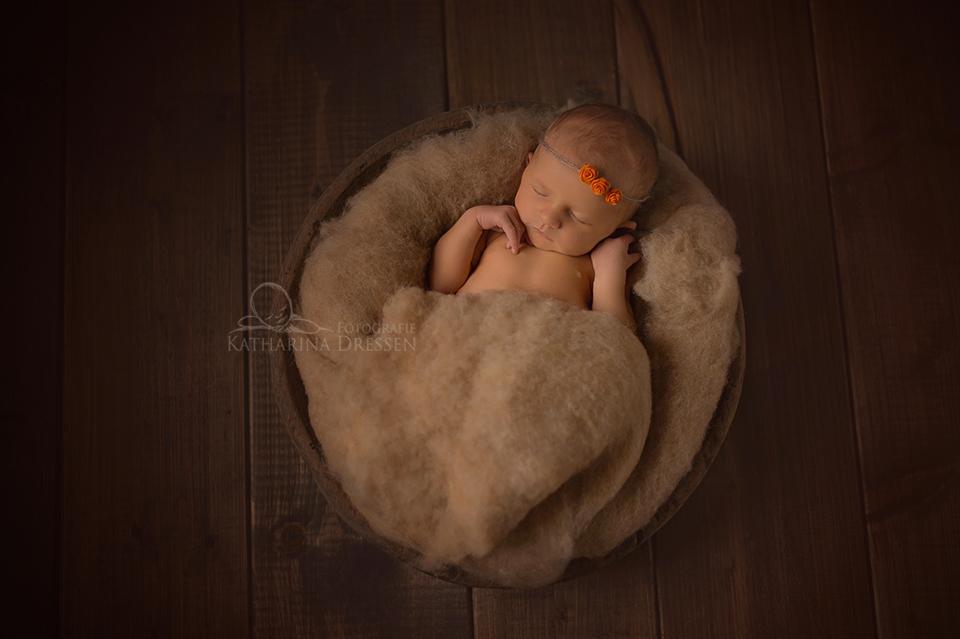 Fotostudio-Babyfoto-schwangerschaft-Geburt-Fotograf-Moenchengladbach-Hebamme-Geburtshaus-Baby