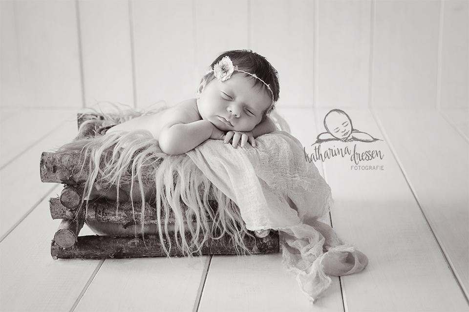 Baby-Fotoshooting_Babyfotograf_Duisburg_Baby_newborn_Fotograf_Fotoshooting_Anne-Geddes