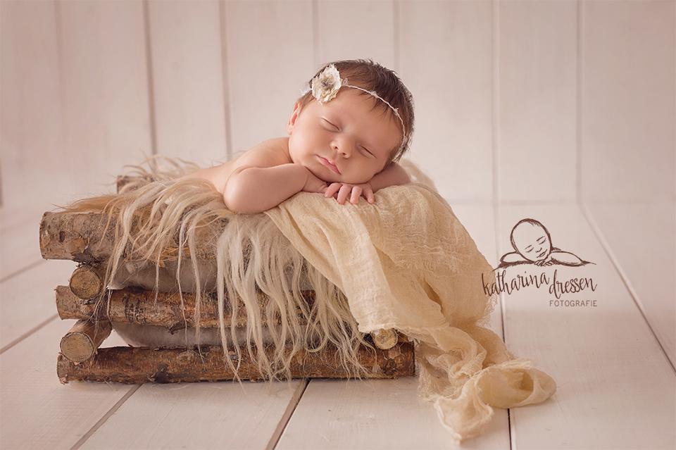 Baby-Fotoshooting_Babyfotograf_Essen_Baby_newborn_Fotograf_Fotoshooting_Anne-Geddes
