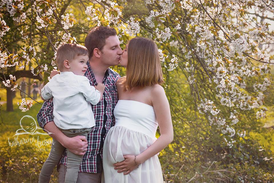BabybauchShooting_FotoShooting_Babybauch_Famileinfoto_Geburt_Hebamme_Fotograf