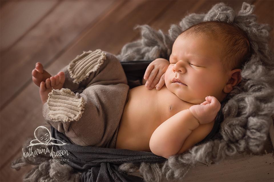 Babyfotos_Babyfotograf_Duesseldorf_Baby_newborn_Fotograf_Fotoshooting_BabyShooting