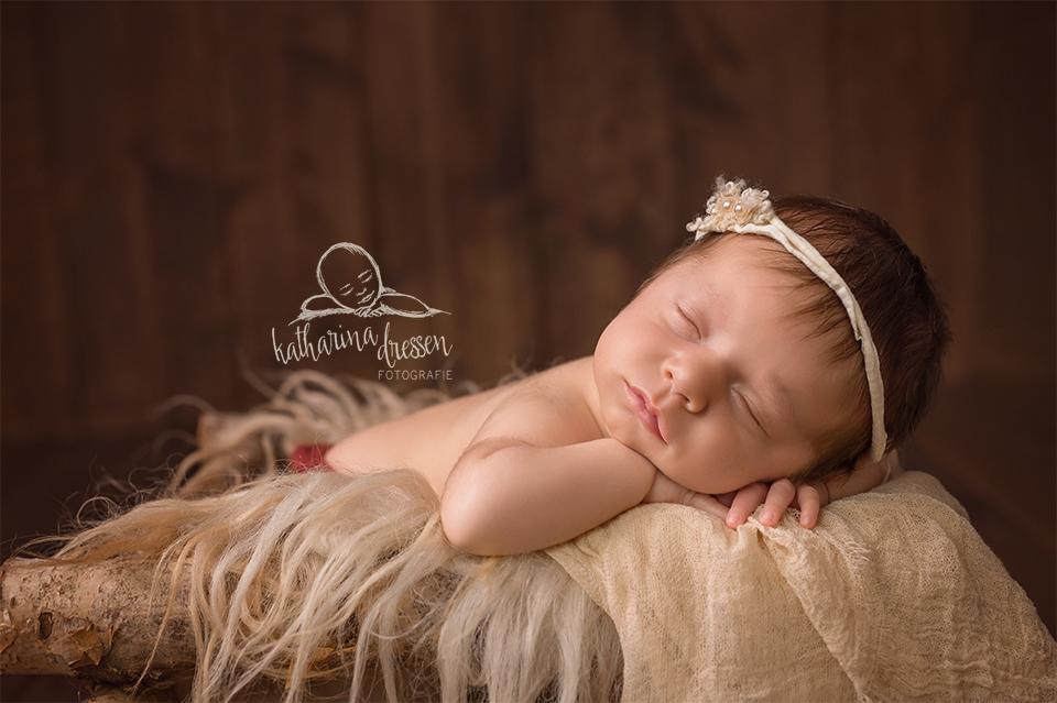 Babyfotos_Babyfotograf_Neuss_Baby_newborn_Fotograf_Fotoshooting_Anne-Geddes
