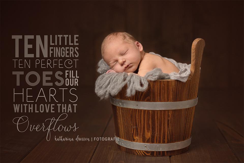 10_Baby-Fotoshooting_Babyfotograf_Duesseldorf_Baby_Neugeborenes_Hebamme_Geburt_Fotograf_Koeln