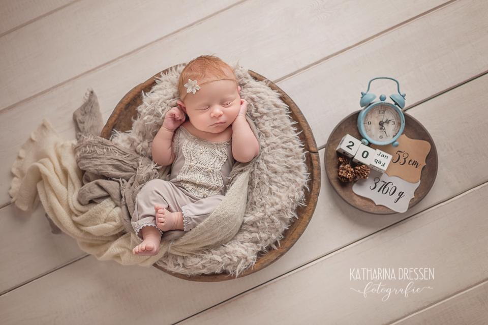 Baby-fotoshooting_Neugeborenes_Hebamme_Geburt_Schwanger_Fotograf_Baby-Fotoshooting_Duesseldorf_Moenchengladbach