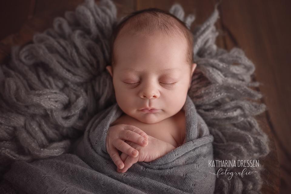Baby_FotoShooting_KatharinaDressen_Neugeboren_BabyFotograf_Hebamme_Geburt_Babyfotos_Fotograf_Duesseldorf_Moenchengladbach_Koeln_Anne-Geddes