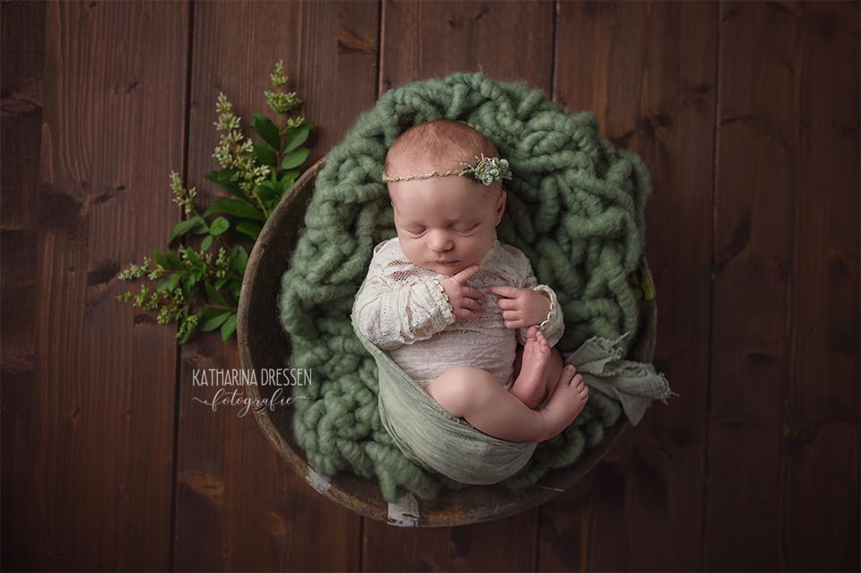 Babyfotograf_Babyfoto_Katta-Dressen_newborn_Baby-Fotoshooting_AnneGeddes_Hebamme_Geburtshaus_Geburt_Schwanger_Stillen_Moenchengladbach_Duesseldorf