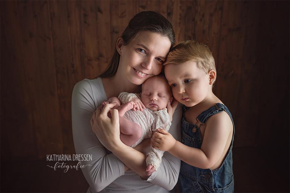 Babyfotograf_Babyfoto_newborn_Baby-Fotoshooting_AnneGeddes_Hebamme_Geburtshaus_Geburt_Schwanger_Stillen_Moenchengladbach_Duesseldorf