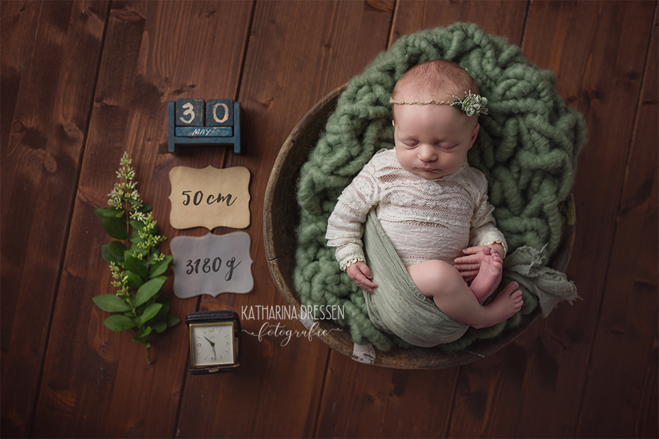 Babyfotograf_Babyfoto_newborn_Baby-Fotoshooting_Hebamme_Geburtshaus_Geburt_Schwanger_Stillen_Moenchengladbach_Duesseldorf