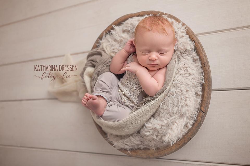 Babyfotograf_Moenchengladbach_Newborn_Hebamme_Geburt_Schwanger_Baby-Fotoshooting_Koeln