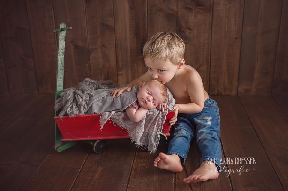 Babyfotograf_Moenchengladbach_Newborn_Hebamme_Geburt_Schwanger_Familienfotos_Baby-Fotoshooting_Duesseldorf