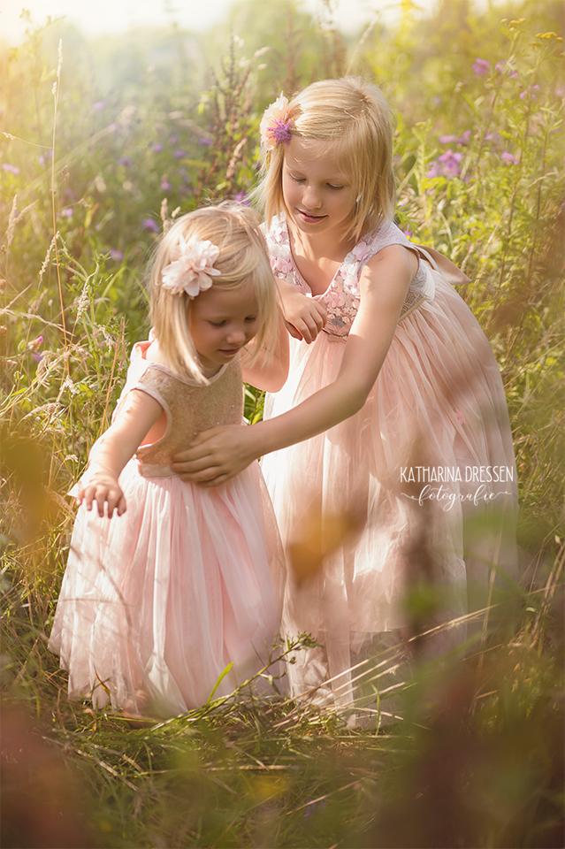 Kinder-Fotoshooting_Familie_Zwillinge_KatharinaDressen_Moenchengladbach_Outdoor