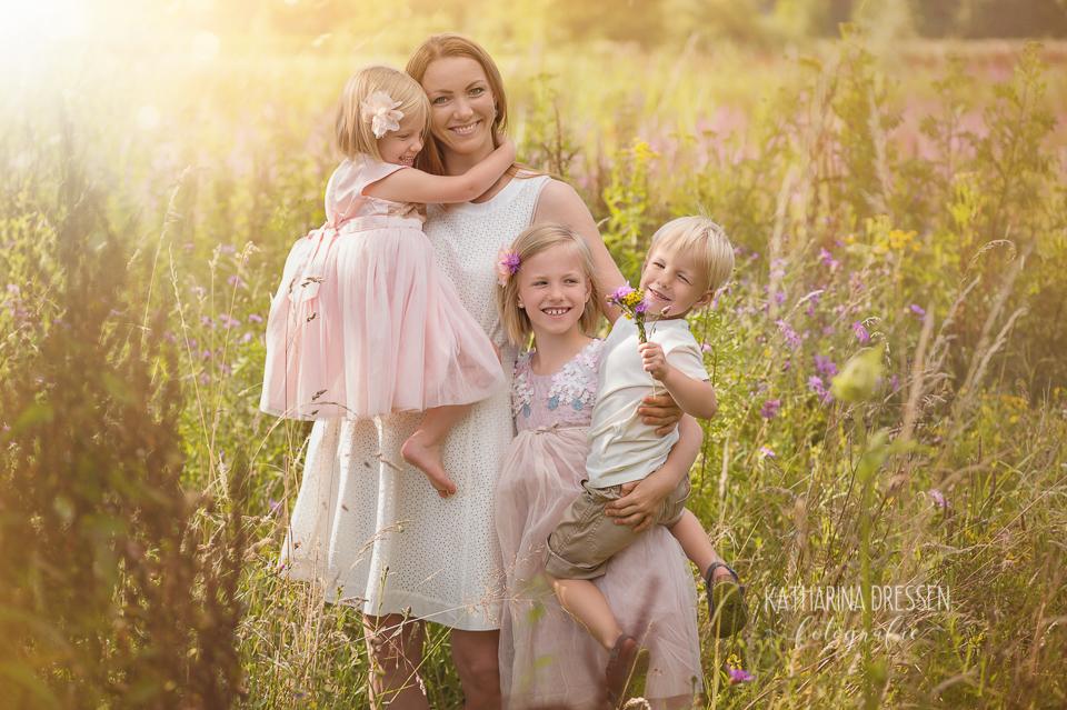 Kinder-Fotoshooting_Outdoor_Familienfotograf_Zwillinge_KatharinaDressen_Moenchengladbach_Duesseldorf