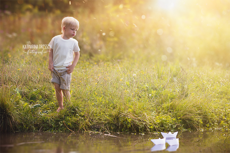Kinder-Fotoshooting_Outdoor_Familienfotograf_Zwillinge_KatharinaDressen_Moenchengladbach_Koeln_Duesseldorf_Natur