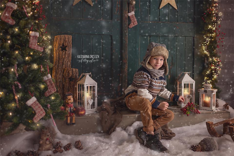 Xmas_Weihnachts-Fotoshooting_Kinderfotoshooting_Familienfotograf_Kinderfotograf_Moenchengladbach_Duesseldorf_Fotoshooting_Kinder-Fotografin_Babyfotograf_Familienfotoshooting_Fotoprops