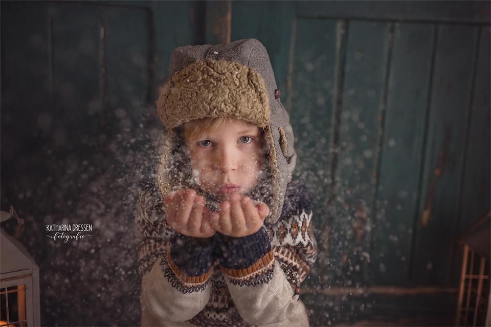 Xmas_Weihnachts-Fotoshooting_Kinderfotoshooting_Familienfotograf_Kinderfotograf_Moenchengladbach_Duesseldorf_Fotoshooting_Kinder-Fotografin_Babyfotograf_Familienfotoshooting_Wintershooting