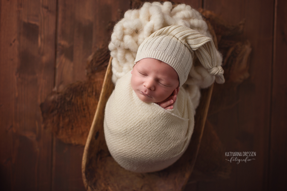 Babyfotograf_Moenchengladbach_Babyfotos_Baby-fotografieren_Neugeboren_Baby_Schwanger_Babybauch_Geburt_Hebamme_Duesseldorf_Koeln_Viersen_Krefeld