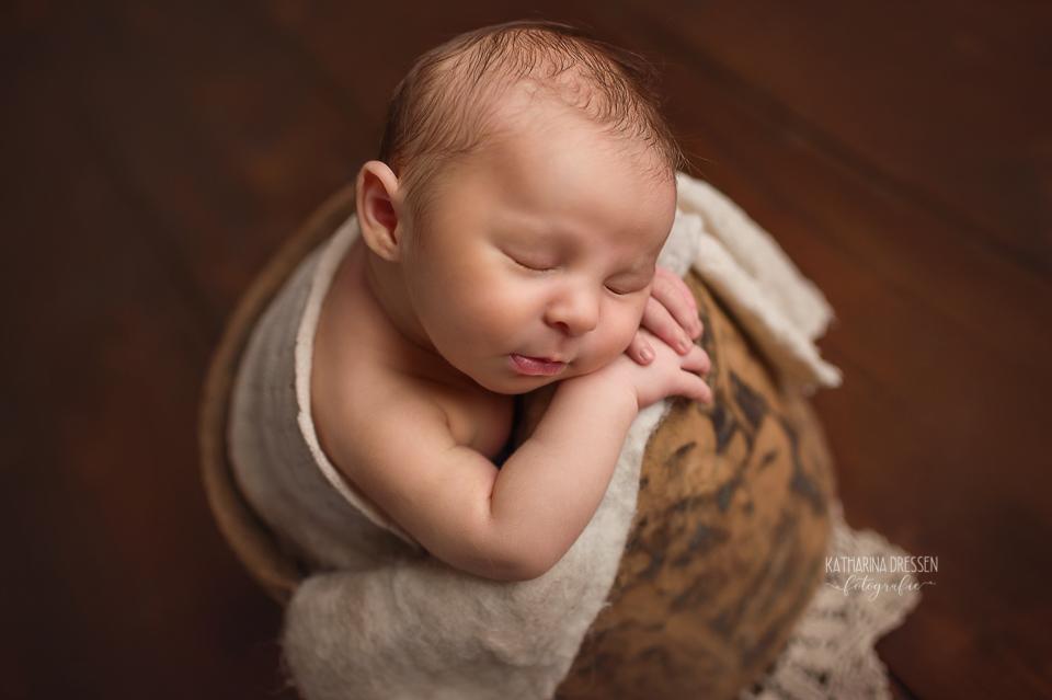 Babyfotograf_Moenchengladbach_Babyfotos_Baby_Neugeboren_Baby_Schwanger_Babybauch_Geburt_Hebamme_Duesseldorf_Koeln_Viersen_Krefeld_NRW
