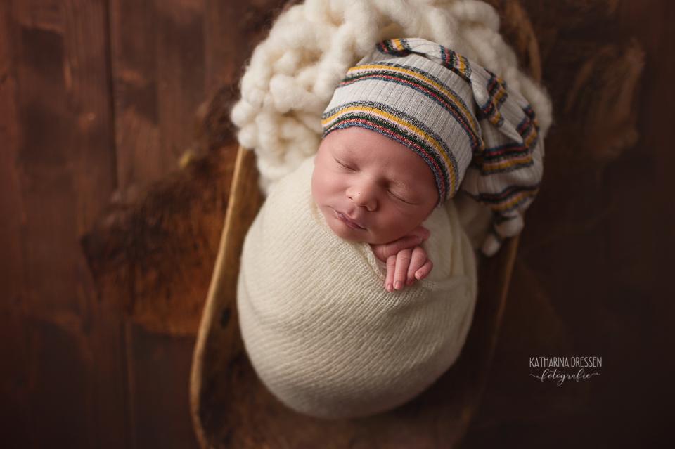 Babyfotograf_Moenchengladbach_Babyfotos_Neugeboren_Baby_Schwanger_Babybauch_Geburt_Geburtsvorbereitung_Hebamme_Duesseldorf_Koeln_Viersen_Krefeld
