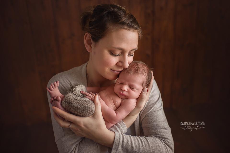 Babyfotograf_Moenchengladbach_Babyfotos_Neugeboren_Baby_Schwanger_Babybauch_Geburt_Hebamme_Duesseldorf_Koeln_Viersen_Krefeld