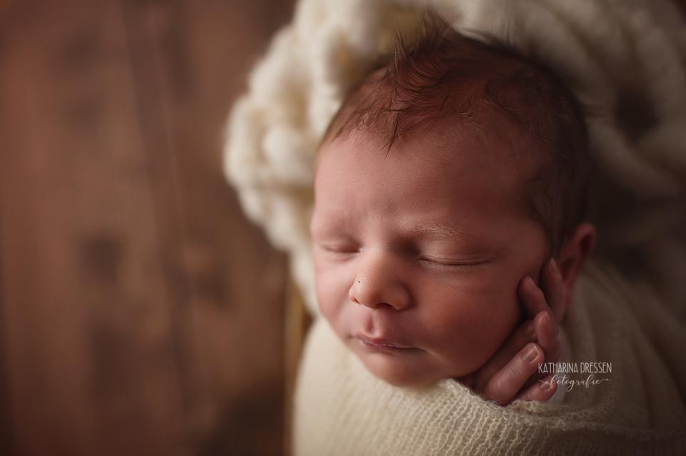 Babyfotograf_Moenchengladbach_Babyfotos_Neugeboren_Baby_Schwanger_Babybauch_Geburt_Hebamme_Geburtshilfe_Duesseldorf_Koeln_Viersen_Krefeld